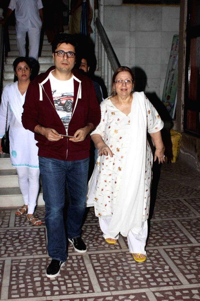 Filmmaker Goldie Behl during the condolence meeting of Amit Mehra, son of filmmaker Prakash Mehra, in Mumbai on March 3, 2015. - Goldie Behl