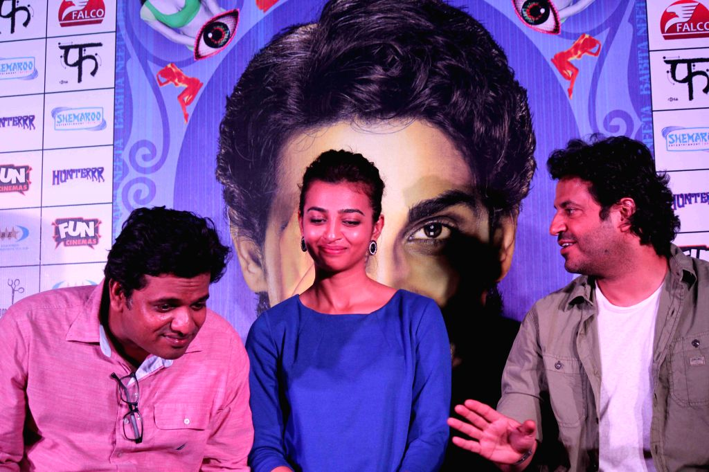 Filmmaker Harshavardhan Kulkarni, actor Radhika Apte and filmmaker Vikas Bahl during the press conference of film Hunterrr in Mumbai, on March 26, 2015 - Harshavardhan Kulkarni