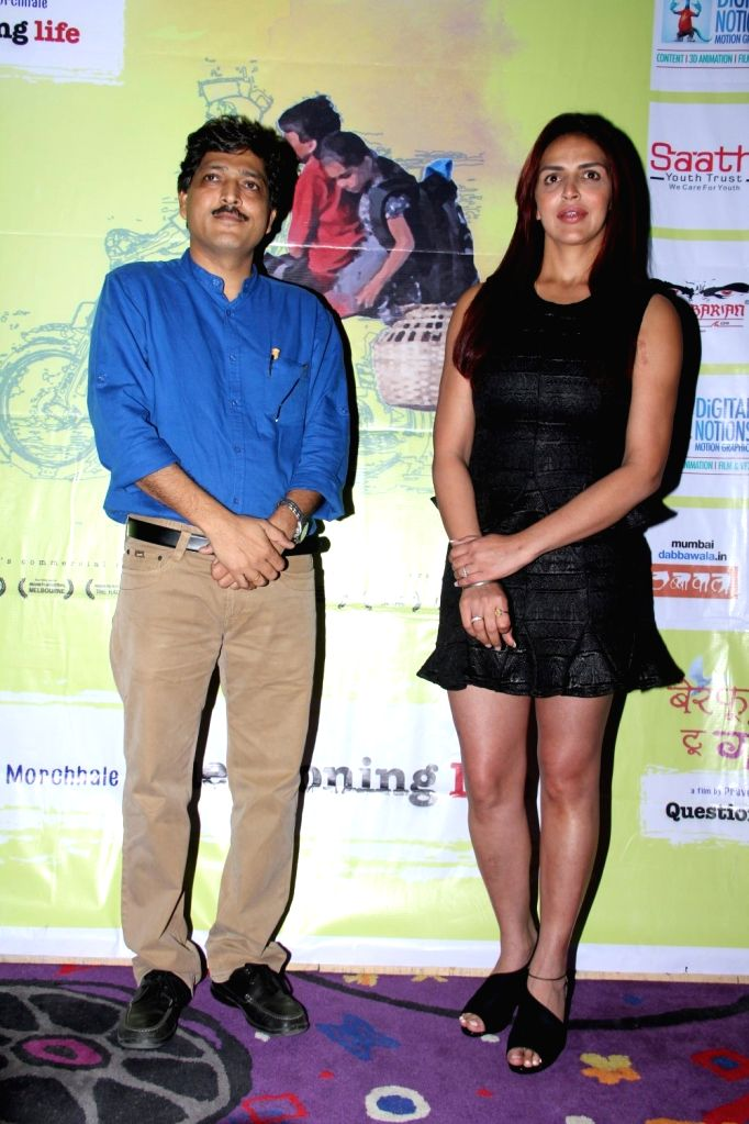 Filmmaker Praveen Morchhale and actress Esha Deol during the trailer launch of film Barefoot to Goa in Mumbai on March 24, 2015. - Praveen Morchhale
