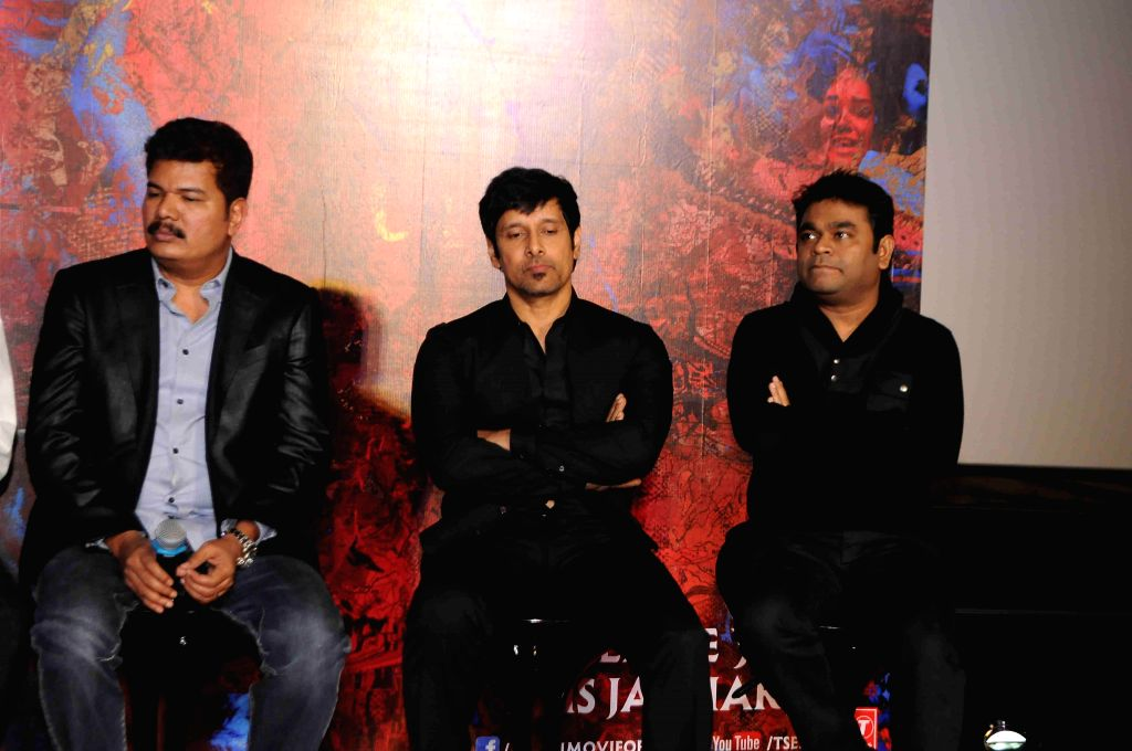 Filmmaker Shanker, actor Vikram and music director A R Rehman during the press conference and trailer launch of forthcoming Tamil film `I` in Mumbai on Dec 29, 2014. - Shanker and A R Rehman