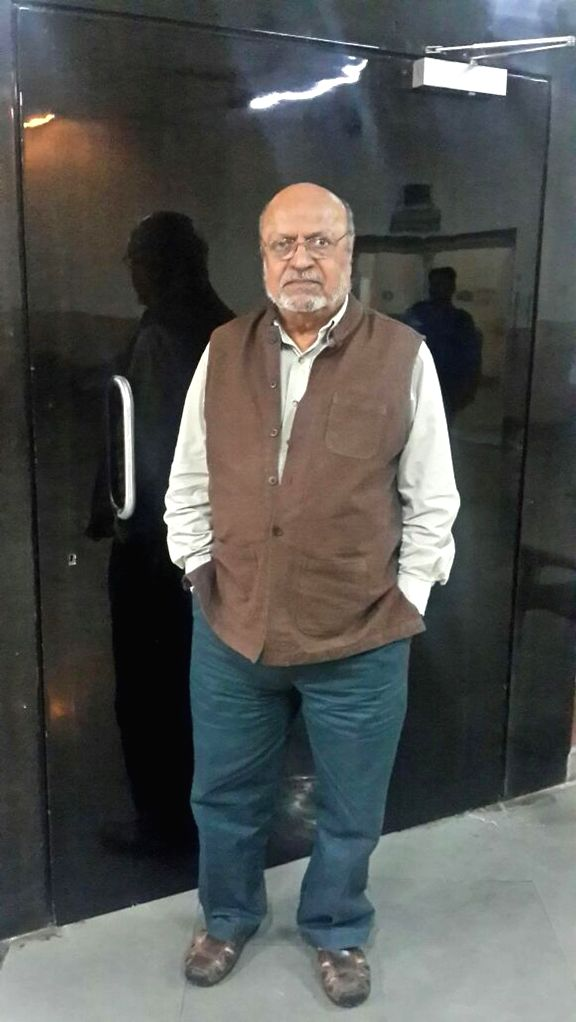 Filmmaker Shyam Benegal during a programme organised after `Big Eyes` - film was nominated for Golden Globe Award in Mumbai, on Jan 8, 2015. - Shyam Benegal
