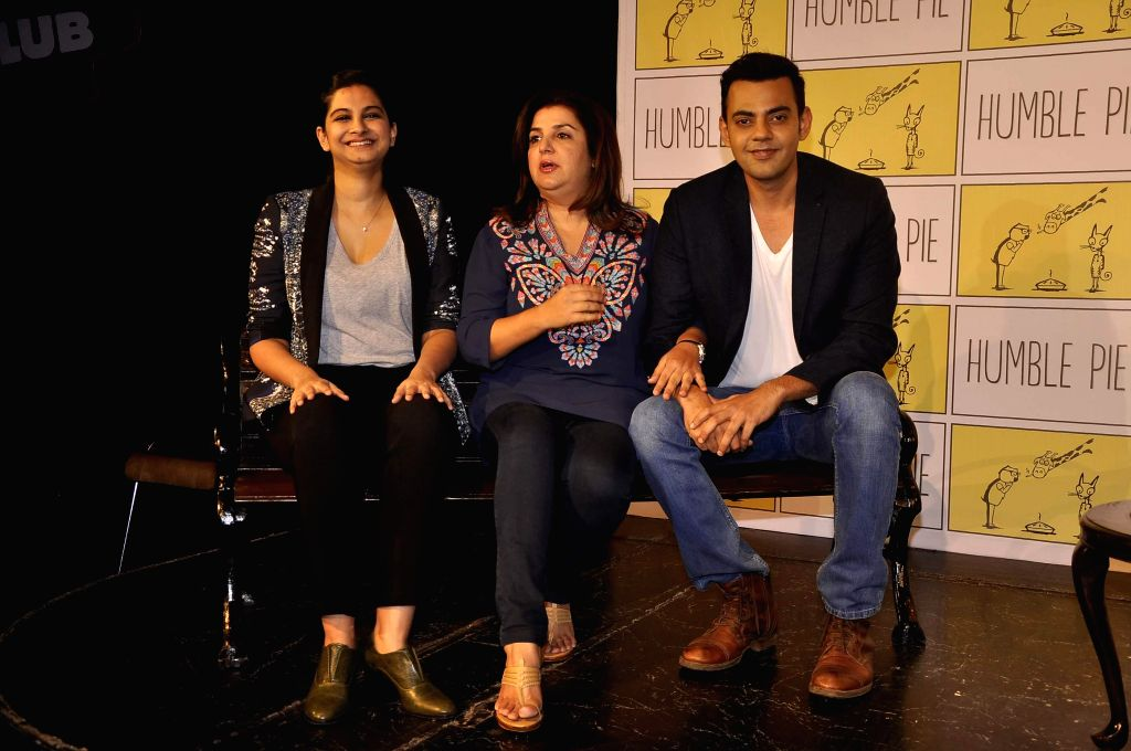 Filmmakers Rhea Kapoor, Farah Khan and actor Cyrus Sahukar during the launch of celebrity chat show On The Bench in Mumbai, on November 20, 2014. - Cyrus Sahukar, Rhea Kapoor and Farah Khan