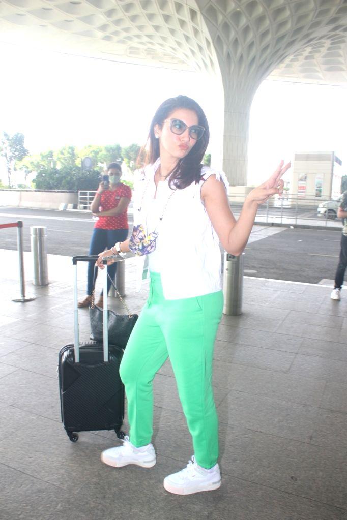 Mumbai : Gauahar Khan and Zaid Darbar were spotted at Airport Departure in Mumbai on Monday, October 02, 2021. - Gauahar Khan