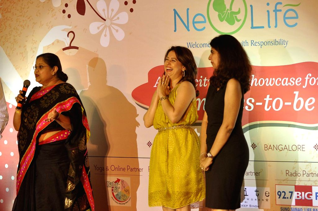 Gynacologist Dr Kiran Coehlo, television actor Amrita Raichand and yoga and wellness expert Payal Gidwani Tiwari during a expecting mothers fashion show organised by Cordlife in Mumbai on ... - Amrita Raichand