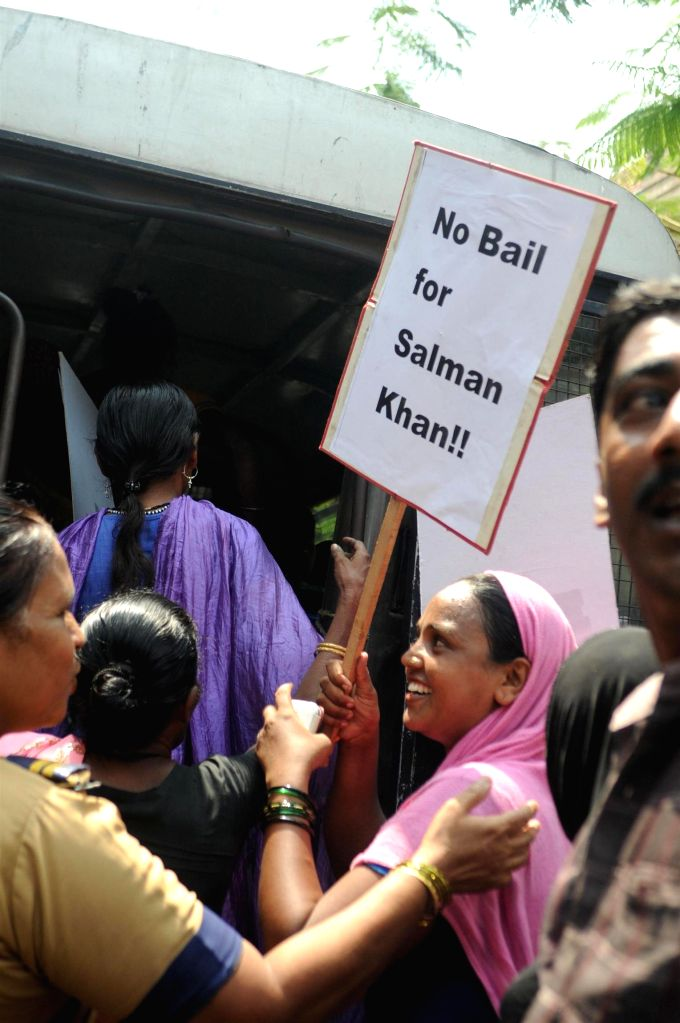 Homeless people protest outside high court where Salman Khan's hearing  of the bail plea in a 2002 hit-and-run case in Mumbai on 8th May 2015. - Salman Khan