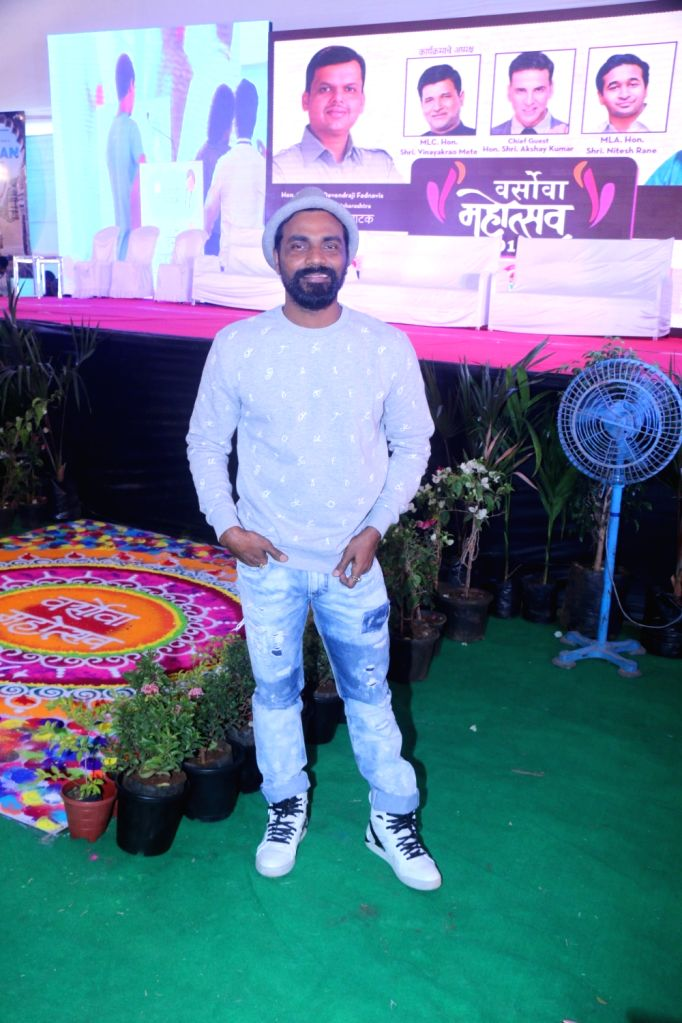 Mumbai, July 4 (IANS) Choreographer-filmmaker Remo Dsouza misses being on set, and is wondering when he will get back to work.
