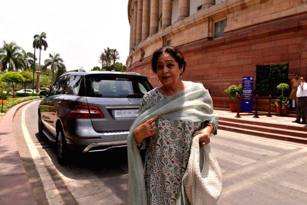 Mumbai, June 14 (IANS) Actress-politician Kirron Kher has turned a year older on Sunday, and she has received heartfelt birthday wishes from her husband, Anupam Kher, and son, Sikander Kher. - Kirron Kher, Anupam Kher and Sikander Kher
