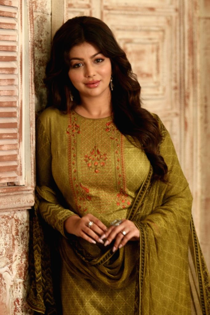 Mumbai, June 17 (IANS) Actress Ayesha Takia has revealed being a victim of trolling and workplace bullying during her stint in Bollywood. Posting her experience on Instagram, she also offered advice to those who currently experience similar plight.  - Ayesha Takia