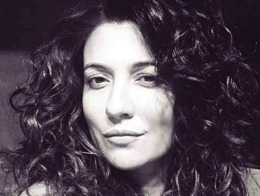 """Mumbai, June 17 (IANS) Actress Mini Mathur finds it tough bringing up children in the current situation, amid the COVID-19 pandemic, earthquakes, cyclones and speculations about """"agenda"""" that """"led to the sad demise of a young life"""". - Mini Mathur"""