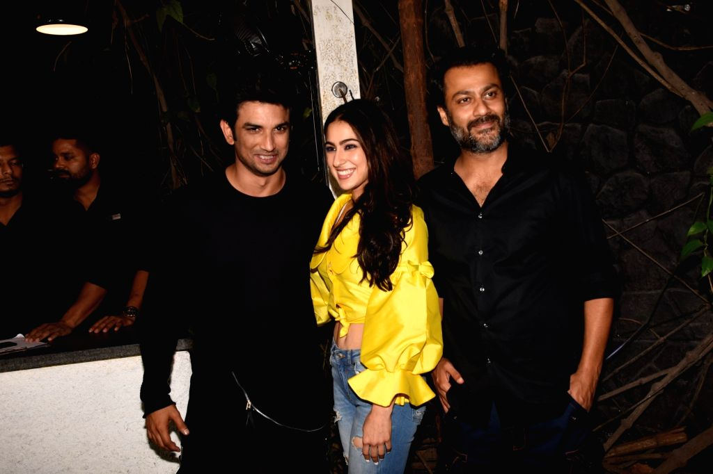 """Mumbai, June 21 (IANS) Filmmaker Abhishek Kapoor, who had launched late actor Sushant Singh Rajput in Bollywood with his 2013 release """"Kai Po Che"""", has revealed that even though Sushant was facing trouble while shooting in the cold for his 2018 relea - Abhishek Kapoor and Sushant Singh Rajput"""