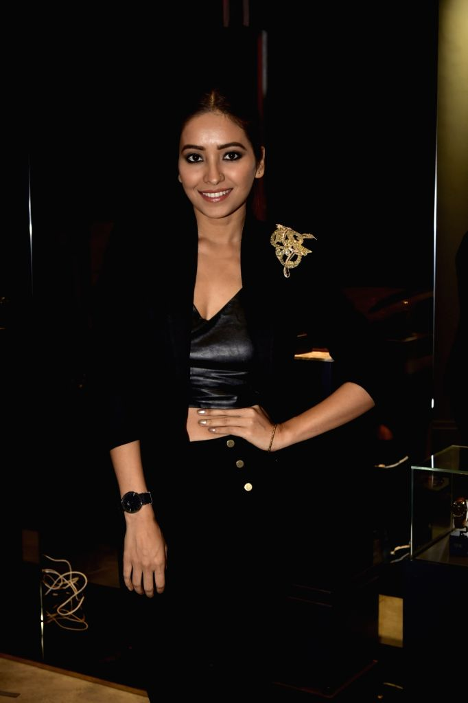 Mumbai, June 9 (IANS) It seems donning short hair has become a favourite trend among people, especially actresses during the lockdown. From Alia Bhatt to Kriti Sanon and Radhika Apte, several female actors have seen sporting short, chic hair in recen