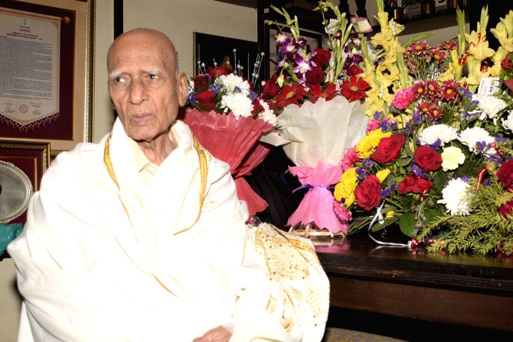 Mumbai: Legendary music composer Khayyam celebrates his 92nd birthday at his residence in Mumbai on Feb 18, 2019. (Photo: IANS)