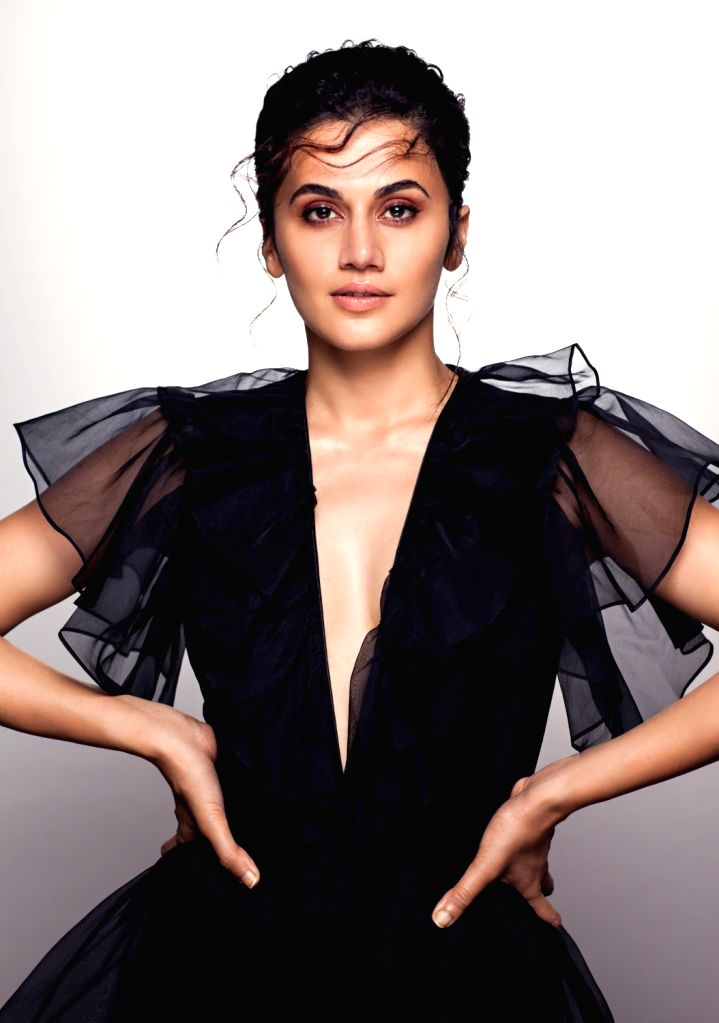 Mumbai, March 30 (IANS) It seems actress Taapsee Pannu does not like extreme cold weather. - Taapsee Pannu