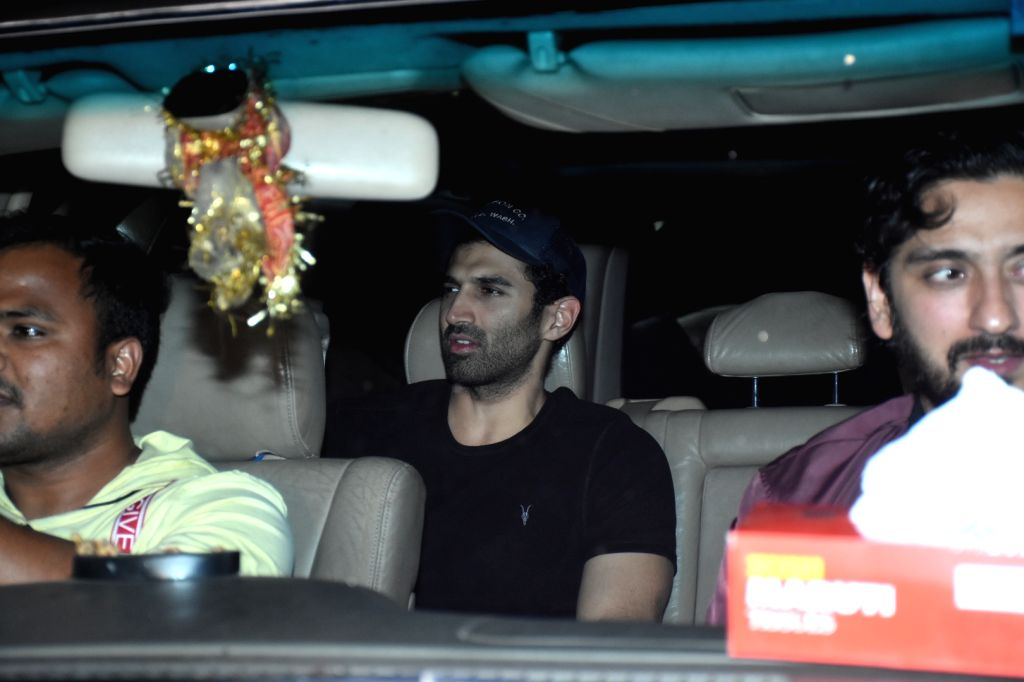 """Mumbai, March 31 (IANS) Actor Aditya Roy Kapur has started preparing for his role in the upcoming sequel of """"Ek Villain"""" through extensive discussions with director Mohit Suri over video calls.(File Photo: IANS) - Aditya Roy Kapur"""