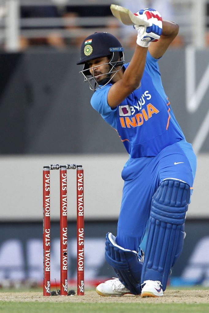 Mumbai, May 31 (IANS) The Indian cricketers have shown their creative side during the extended period of lockdown enforced to curb the spread of COVID-19 pandemic. Recently, batsman Shreyas Iyer posted a video showing off his 'magic' skills on his of - Shreyas Iyer