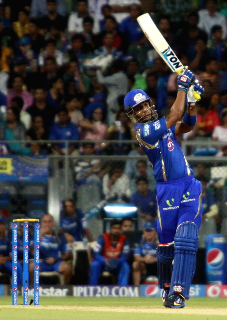 Mumbai Indians batsman Lendl Simmons in action during an IPL 2015 match between Rajasthan Royals and Mumbai Indians at the Wankhede Stadium in Mumbai, on May 1, 2015. - Lendl Simmons