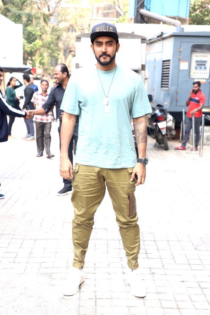 "Mumbai: Mumbai, June 12 (IANS) Writer-director Shashank Khaitan has asked people to be cautious about fake casting calls for his film ""Mr Lele"", saying the film is not happening at present.(File Photo: IANS) - Shashank Khaitan"