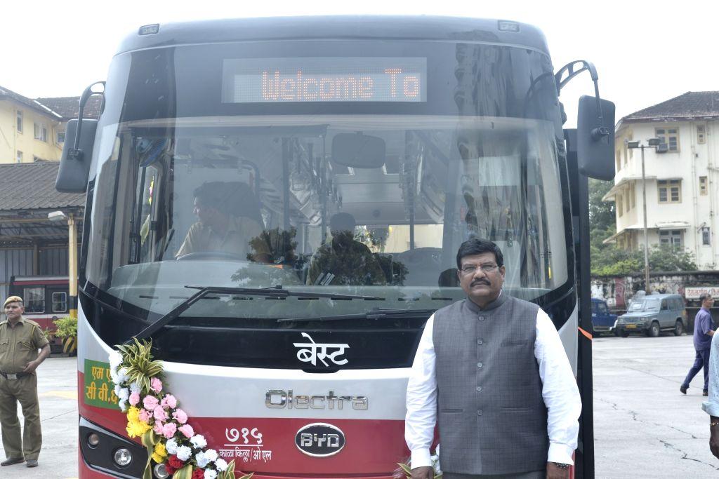 Mumbai: Mumbai Mayor Vishwanath Mahadeshwar during a programme where Brihanmumbai Electricity Supply and Transport (BEST) – Mumbai's public bus services – inducted 10 swank electric buses for the city commuters, in Mu