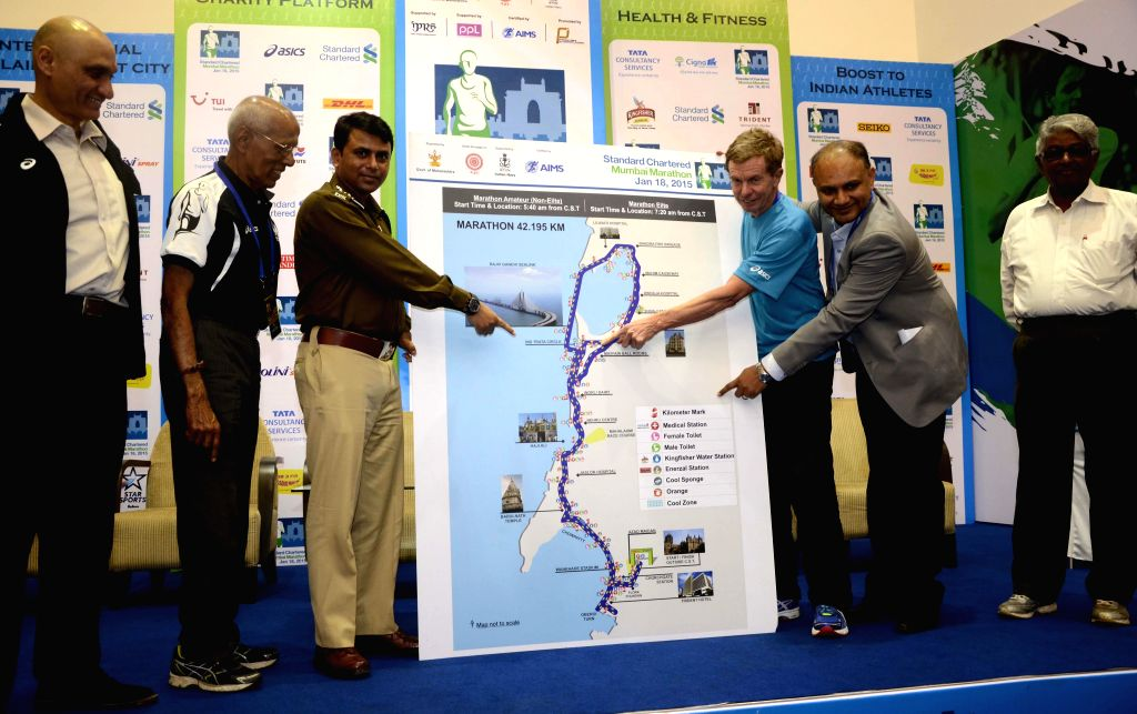 Mumbai: Race Director and former British long distance runner Hugh Jones with Additional Commissioner of Police (traffic), (ACP) Quaiser Khalid at the launch of Standard Chartered Mumbai ...