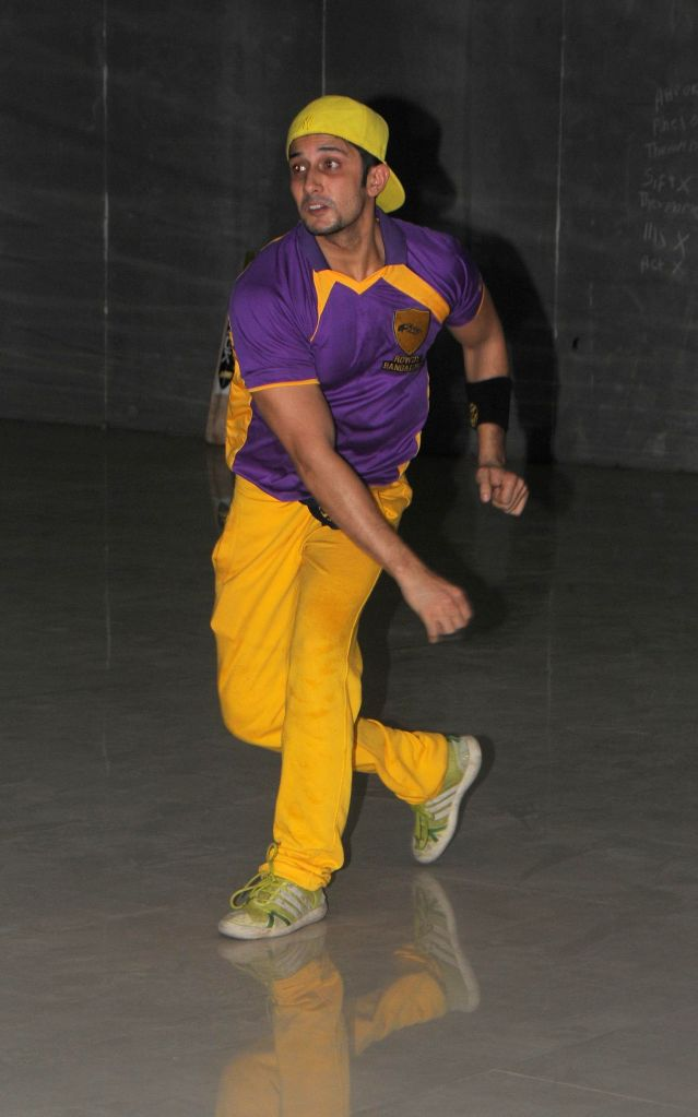 Nauman duing the practice session Box Cricket League team Rowdy Bangalore in Mumbai on 10 Nov. 2014.