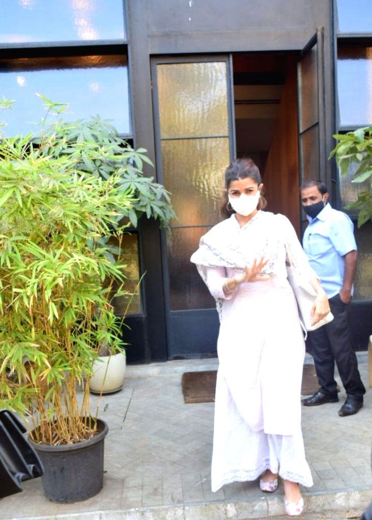 Mumbai :Nimrat Kaur seen at Bandra on Wenesday, 27 January 2021. - Nimrat Kaur