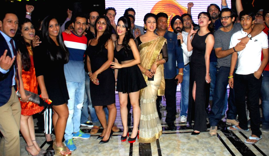 Nivedita,Meghna,Sayantani,Divyanka,Satish,Raj,Ankita,Salil during the launch of Dress and anthem of BCL team Kolkatta Babu Moshai at Peninsula Grand in Mumbai, on November 20, 2014.