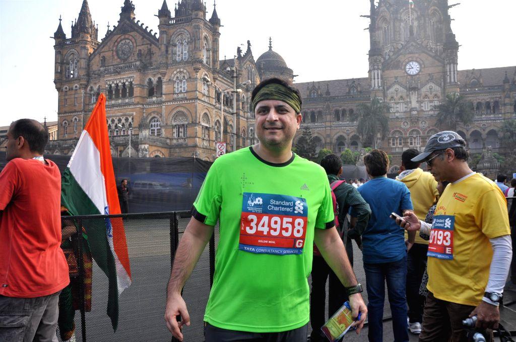 People and Celebrities participates in the Standard Chartered Mumbai Marathon 2015 in Mumbai on Jan 18, 2015.