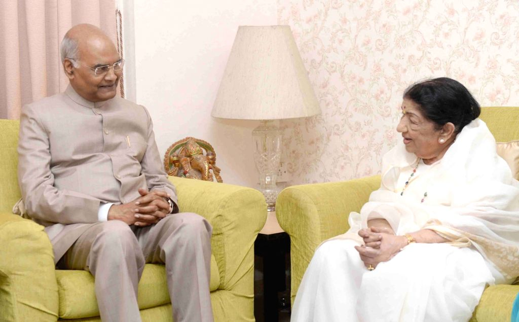 Mumbai: President Ram Nath Kovind meets Lata Mangeshkar at her residence in Mumbai on Aug 18, 2019. The legendary singer said that she felt deeply honoured and humbled by the President's visit. (Photo: IANS/RB) - Nath Kovind