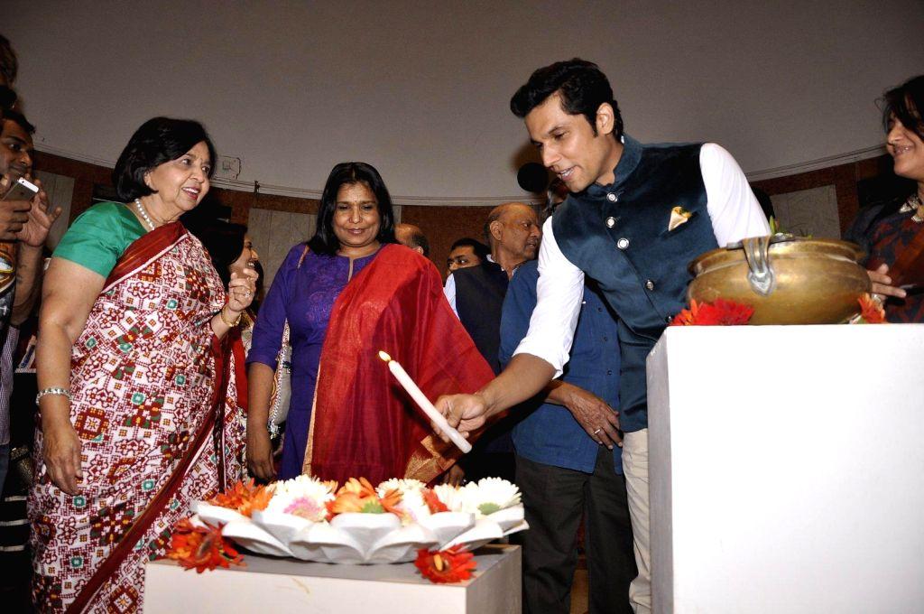 Randeep Hooda inaugurates an art fair in Mumbai on 14th Jan 2015