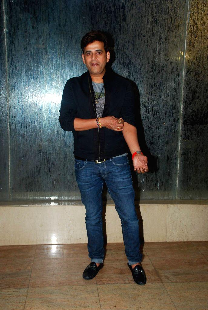 Ravi Kishan during Golden Achiever Awards in Mumbai on Jan 9, 2015.