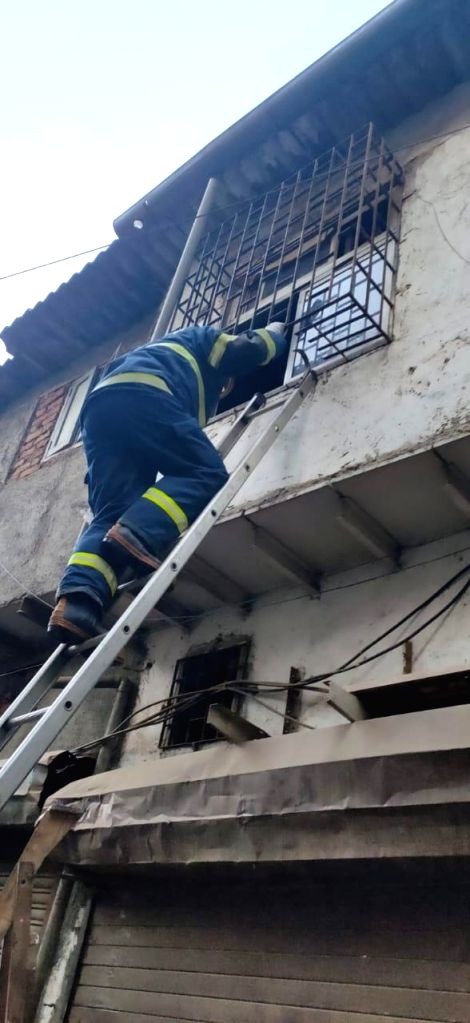 Mumbai: Rescue operation underway by Mumbai fire brigade and NDRF after a three-storied tenement (chawl) caved in at Deepjyoti Chawl, Laljipada in Kandivali West, Mumbai. At least 12 persons were rescued and some others feared trapped in the debris.
