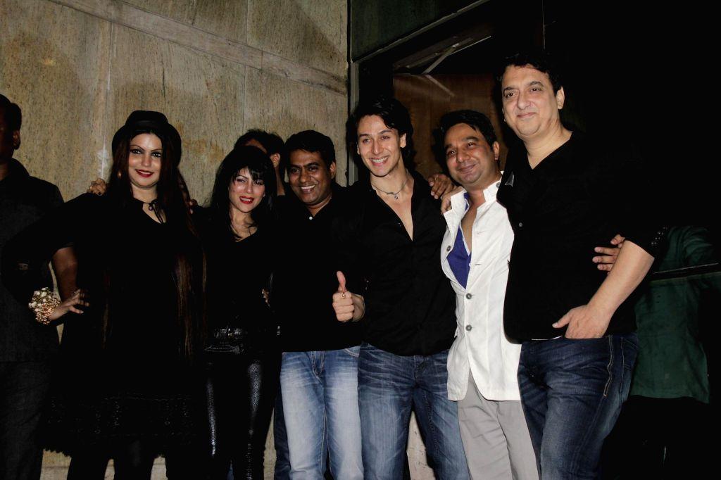 Sajid Nadiadwala and his wife Wardha Khan, Ahmed Khan and his wife Shahira Khan and Tiger Shroff during Ahmed Khan and Shahira Khan's wedding anniversary party in Mumbai on 7th, Feb. 2015. - Wardha Khan