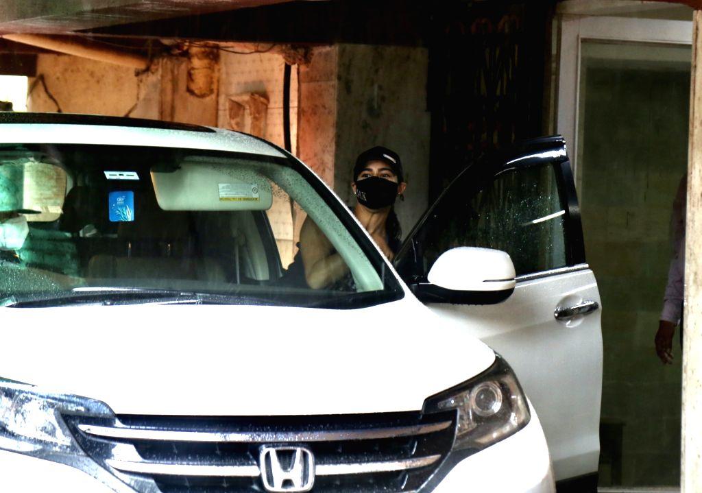 Mumbai : Sara Ali Khan Spotted Post Workout at Santacruz on Tuesday, September 28, 2021.