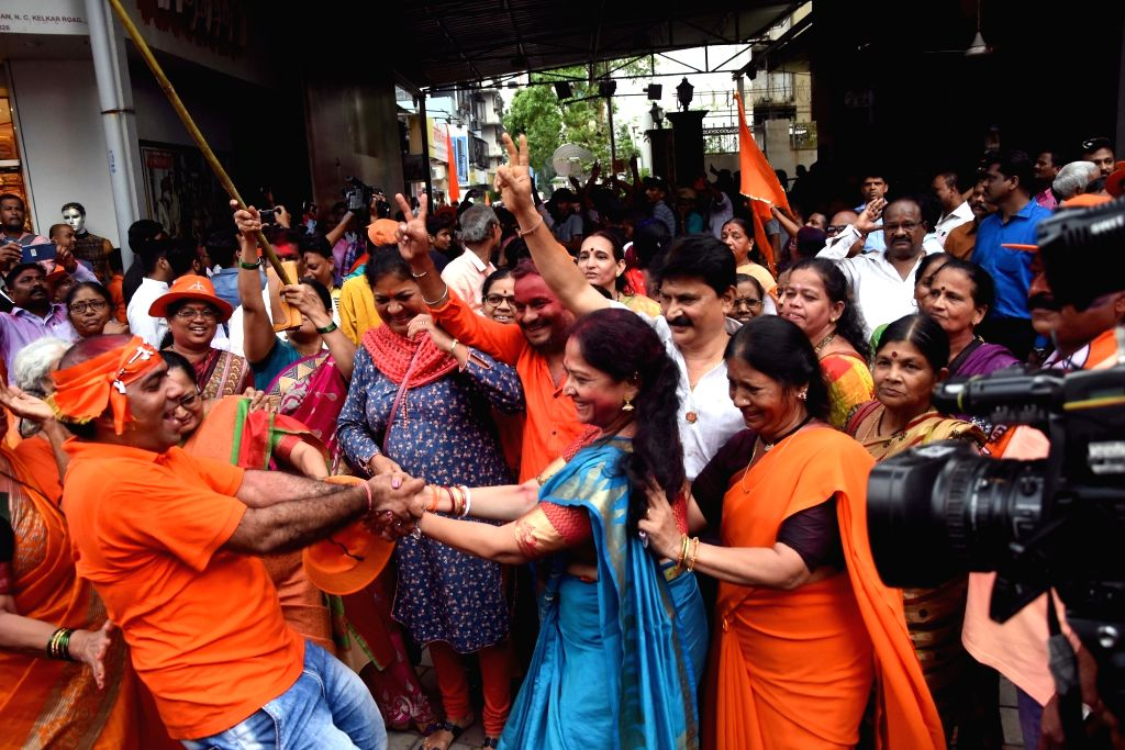 Mumbai: Shiv Sena workers celebrate party's performance in Maharashtra Assembly elections, in Mumbai on Oct 24, 2019. (Photo: IANS)