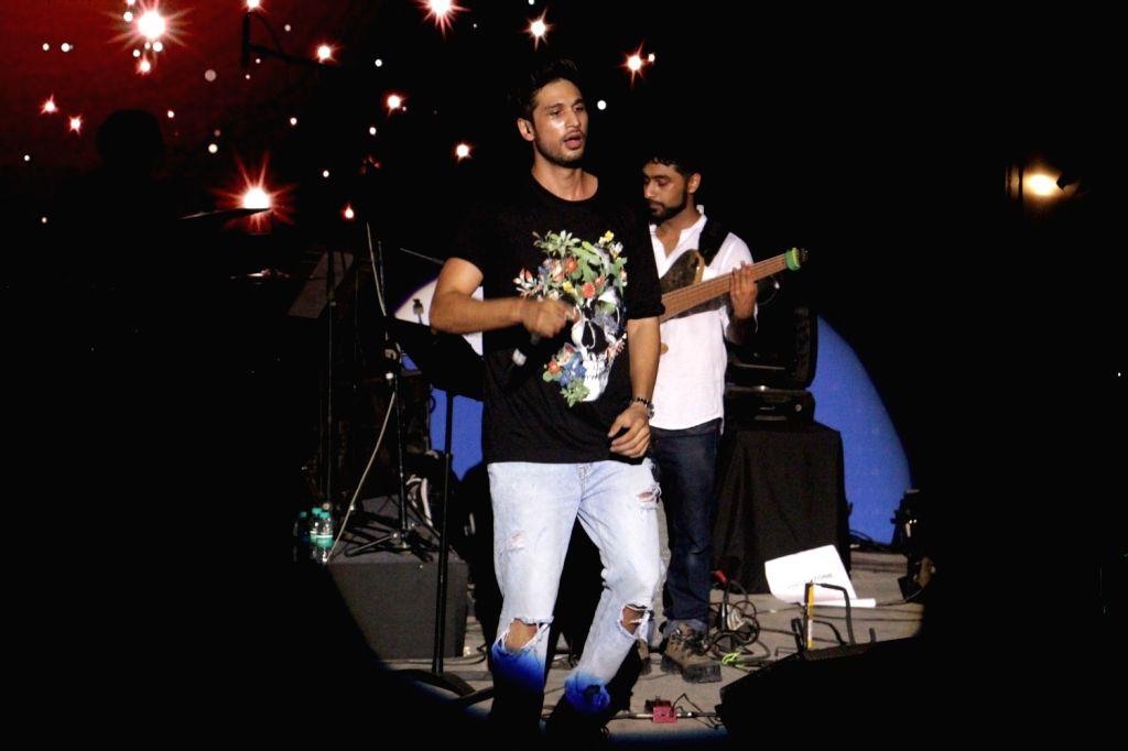 Mumbai: Singer Arjun Kanungo during film Meri Pyaari Bindu music concert in Mumbai on May 6, 2017. (Photo: IANS)
