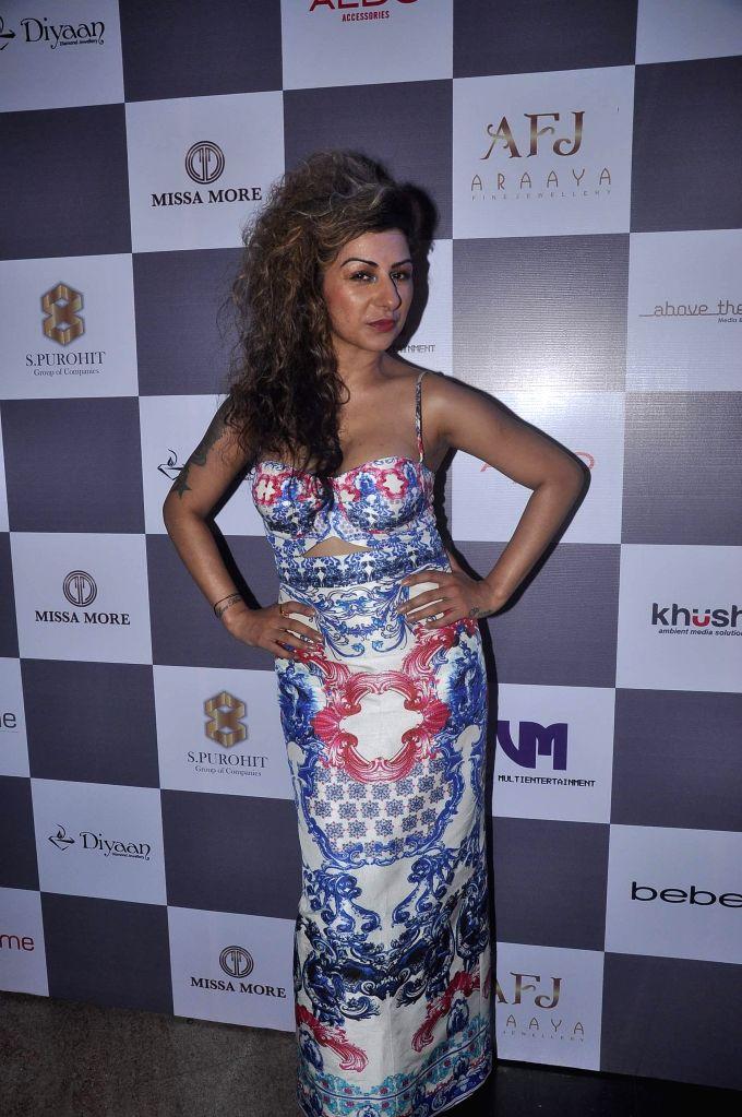 Singer Hard Kaur during Madame Style Week fashion show in Mumbai, on Nov. 22, 2014. - Hard Kaur