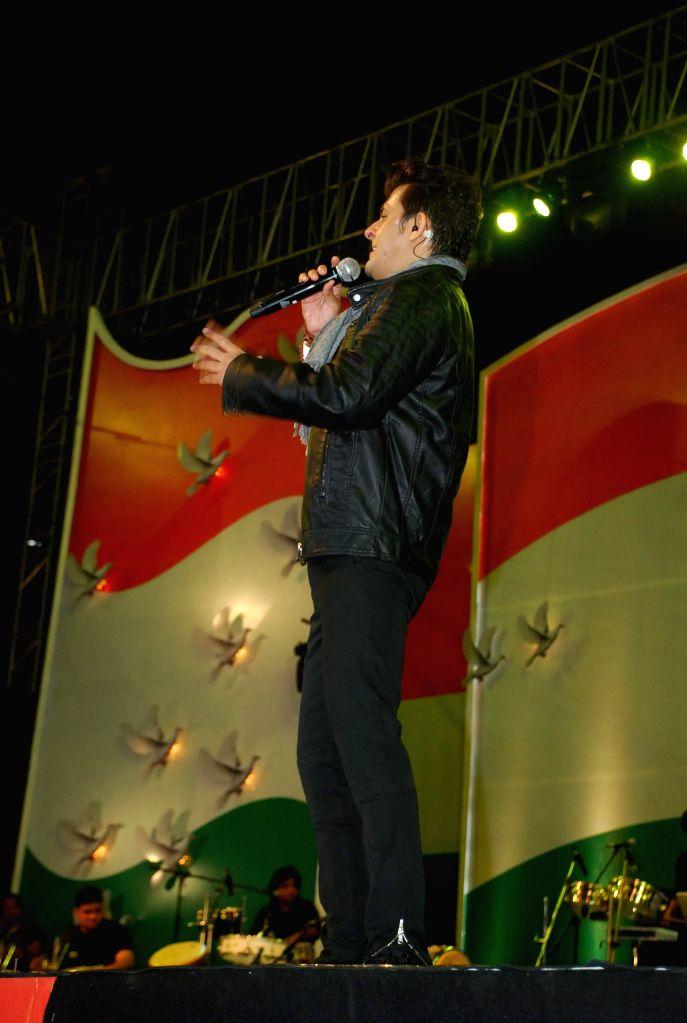 Singer Sonu Nigam performs during his live concert to celebrate Republic Day in Mumbai, on Jan 26, 2015.