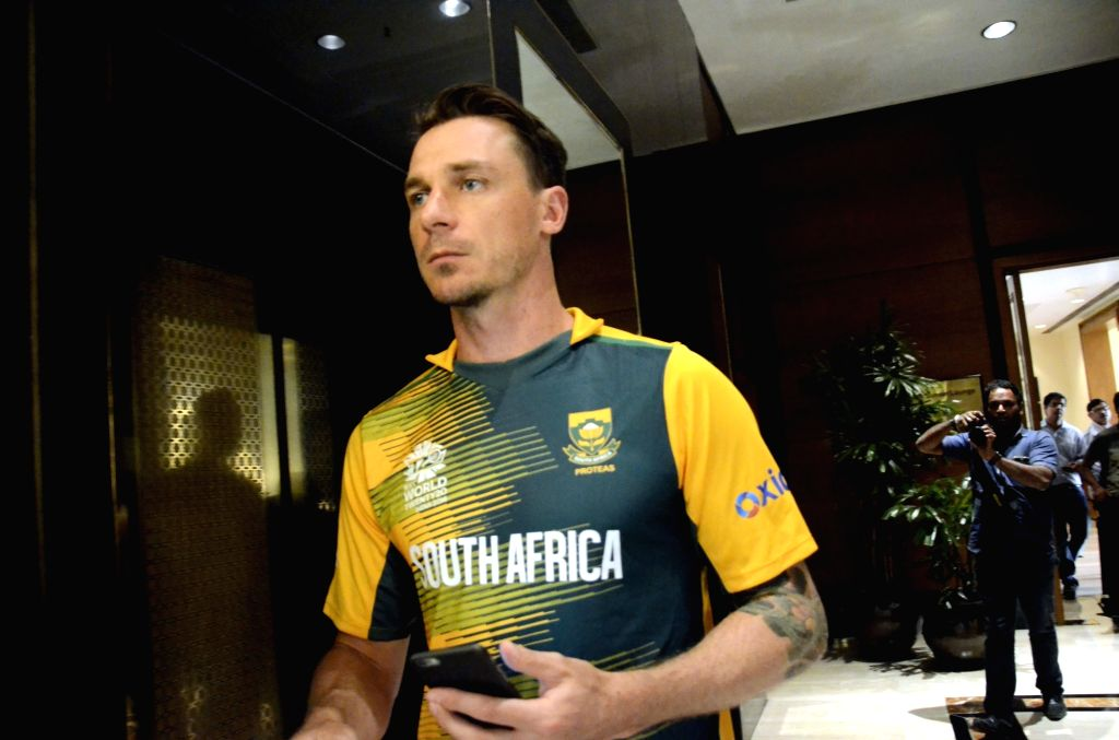Mumbai: South African cricketer Dale Steyn addresses during a press conference ahead of ICC T20 World Cup in Mumbai on March 11, 2016. (Photo: IANS)