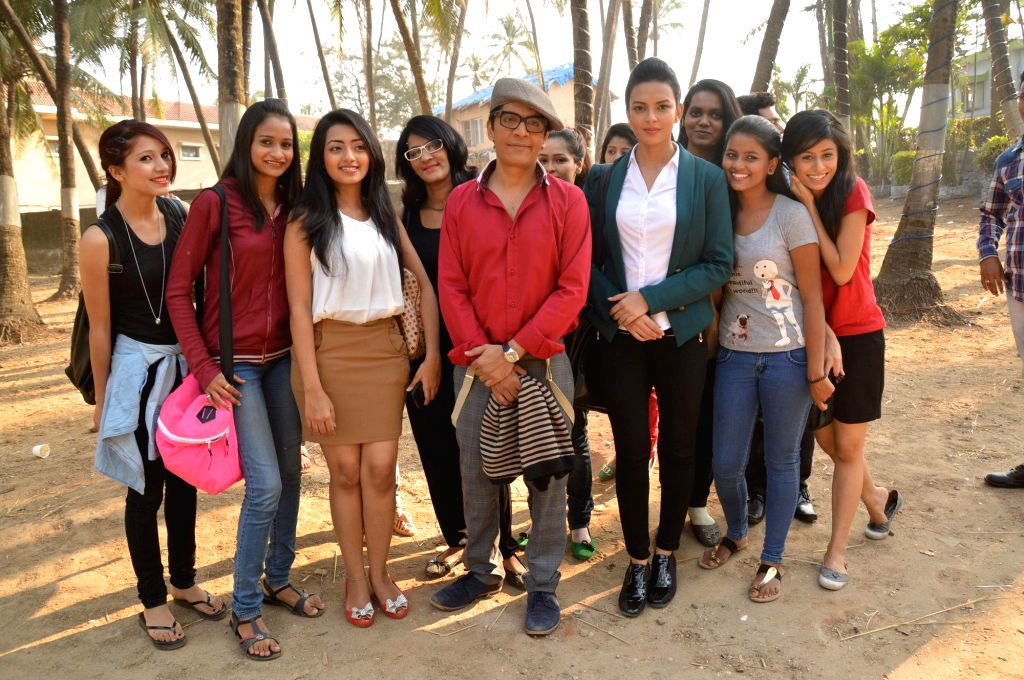 Star cast of film Gun Pe Done during the on location shoot in Mumbai.