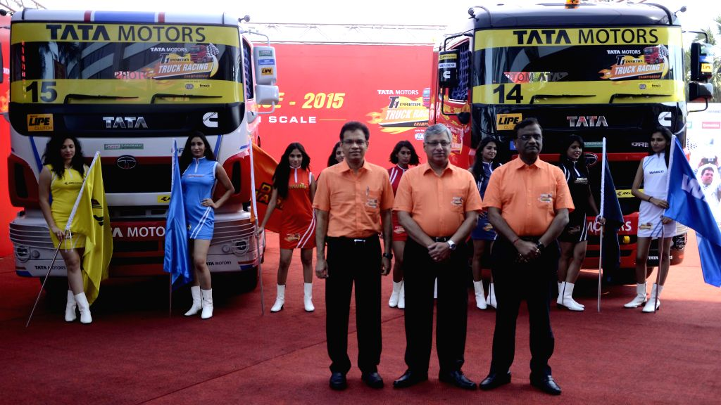 Tata Motors Commercial Vehicles Business Unit Senior Vice President R Ramakrishnan, company's Commercial Vehicles Business Unit Executive Director Ravindra Pisharody and ERC Head Engineering .