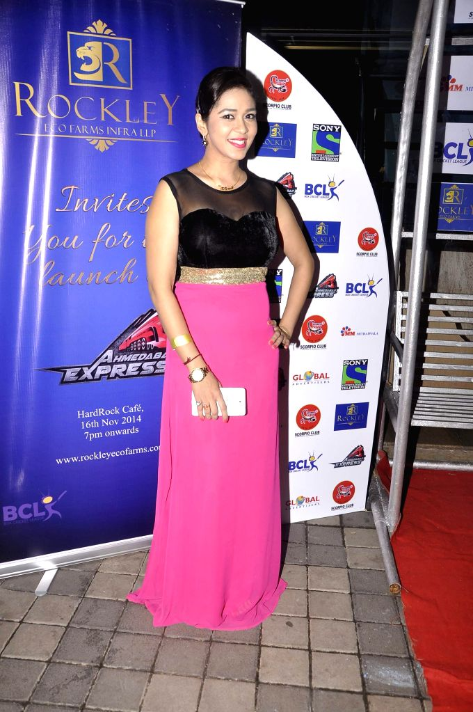 Television actor Firoza Khan during the promo and jersey launch of Box Cricket League`s (BCL) Ahmedabad Express team in Mumbai, on November 16, 2014. - Firoza Khan