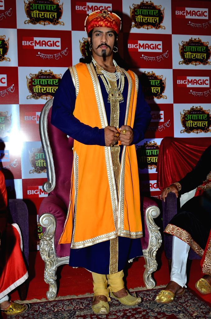 Television actor Thakur Anoop Singh during the launch of Big Magic channel new show Chatur aur Chalak, Birbal aur Viraat, in Mumbai on Jan. 30, 2015. - Thakur Anoop Singh