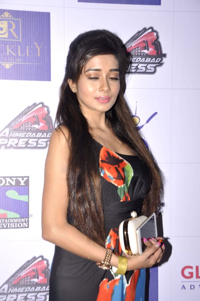 Television actor Tina Dutta during the promo and jersey launch of Box Cricket League`s (BCL) Ahmedabad Express team in Mumbai, on November 16, 2014. - Tina Dutta