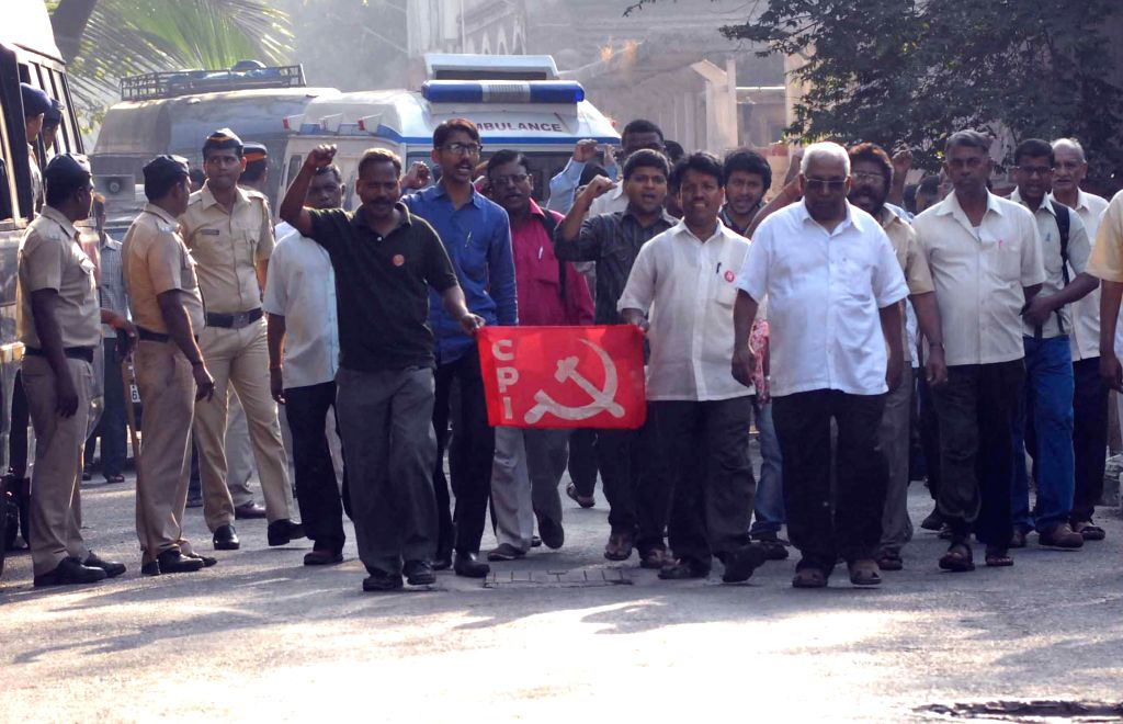 The activists of Communist Party of India (CPI) protest outside the J J Hospital as Communist leader Govind Pansare body being taken away after postmortem to his home town Kolhapur by air ...