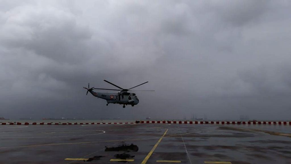 Mumbai:  The Kolhapur-Mumbai Mahalaxmi Express stranded in 4-5 feet flood waters near Vangani station, Thane, since last night after heavy rain lashed Mumbai, NDRF teams from Pune & Mumbai have left with six boats to rescue the 1500 pax on the train