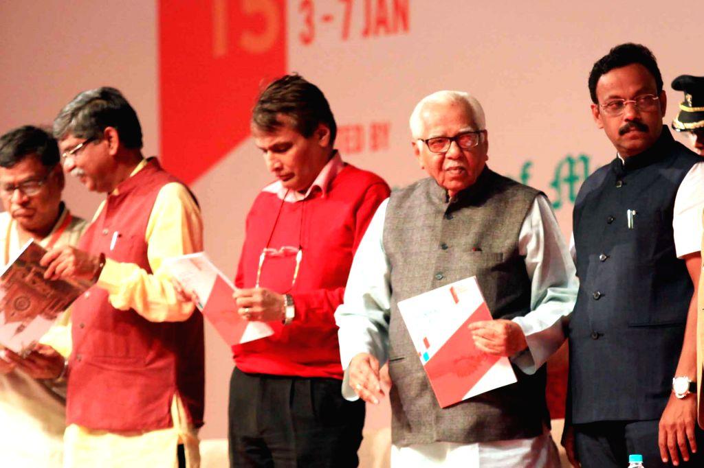 Uttar Pradesh Governor Ram Naik, Union Minister for Railways Suresh Prabhakar Prabhu, Maharashtra Education Minister Vinod Tawde and others at the concluding session of the 102nd Indian ... - Vinod Tawde and Suresh Prabhakar Prabhu