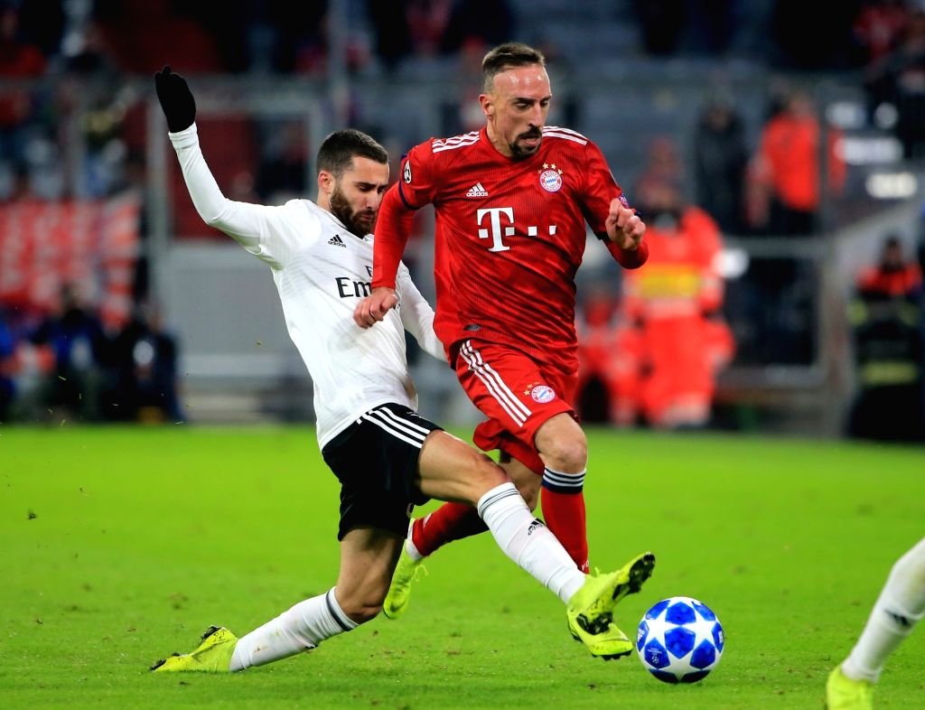 MUNICH, Nov. 28, 2018 - Bayern Munich's Franck Ribery (R) vies with Benfica's Rafa Silva during a 5th round match in group E of UEFA Champions League between Bayern Munich of Germany and SL Benfica ...