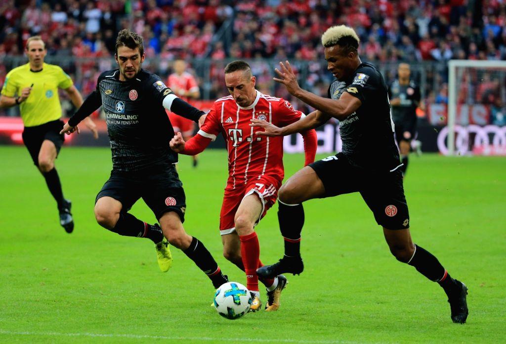 MUNICH, Sept. 17, 2017 - Bayern Munich's Franck Ribery (C) breaks through during a German Bundesliga match between Bayern Munich and 1. FSV Mainz 05 in Munich, Germany, on Sept. 16, 2017. Bayern ...