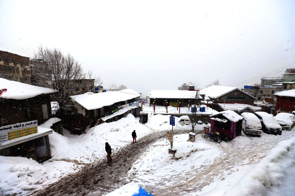 MURREE, Feb. 8, 2019 - Heavy snowfall is seen in Murree, some 60 kilometers north of Islamabad, capital of Pakistan,  on Feb. 7, 2019. The recent snowfall in Murree and nearby areas has attracted a ...