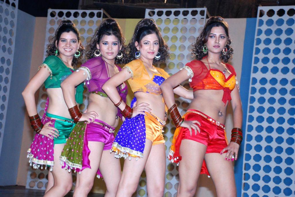 Music video shoot on Hot Babes with Choreogrpaher Jojo and Singer Richa Sharma in Powai.
